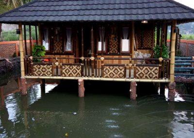 Rumah Bambu Apung