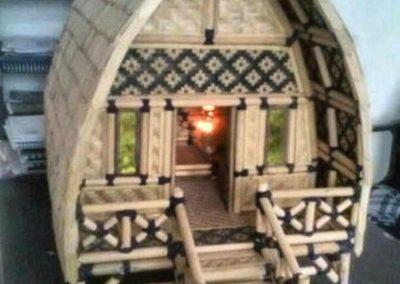 Rumah Bambu Atap Unik