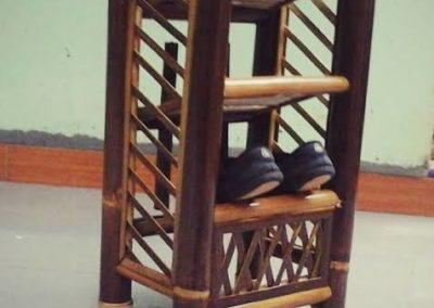 Rak Sepatu Dari Bambu